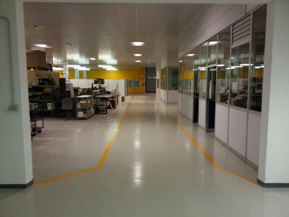 Pavimenti Industriali In Resina Epossidica : Pavimenti in resina industriali e civilipavimenti in resina