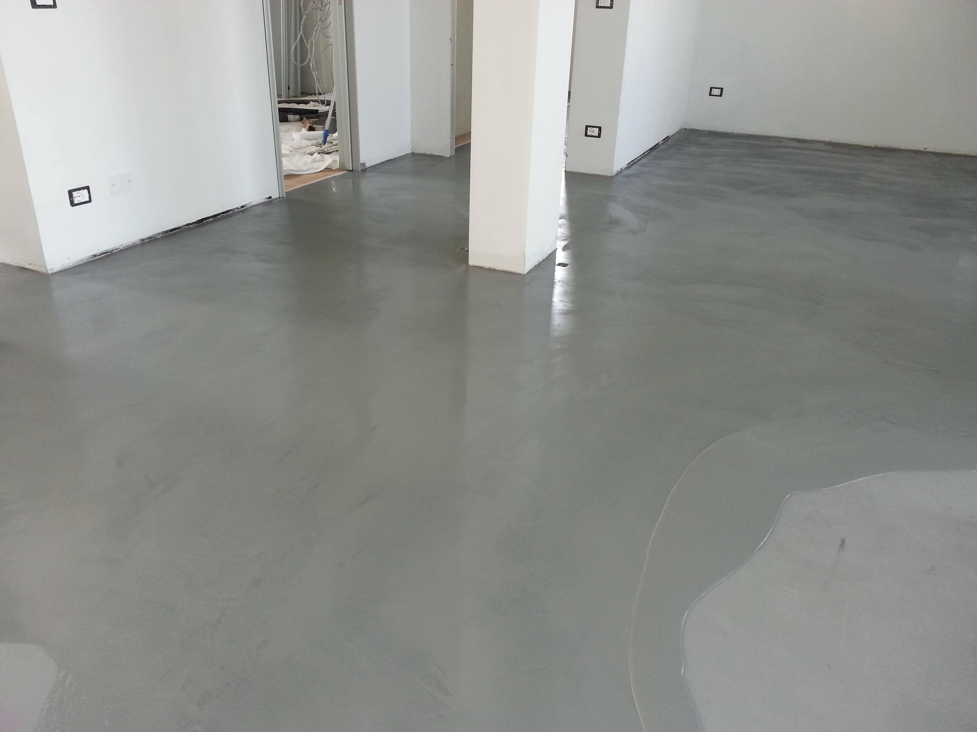 Pavimenti in resina industriali e civili micro cemento for Colore per pavimenti